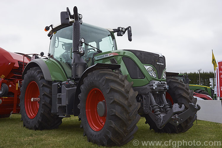 2014 Fendt 718 Vario Photo - Royalty Free Fendt Tractors Stock Image